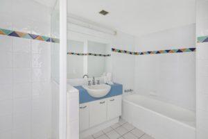 1920-1-2-bedroom-accommodation-buddina-kawana15