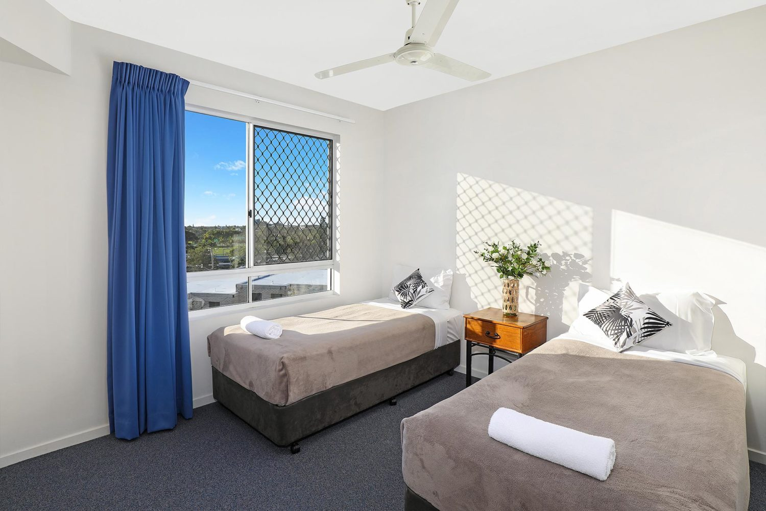 1920-3-bedroom-accommodation-buddina-kawana3