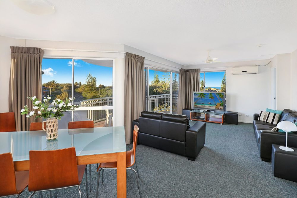 1920-3-bedroom-accommodation-buddina-kawana4