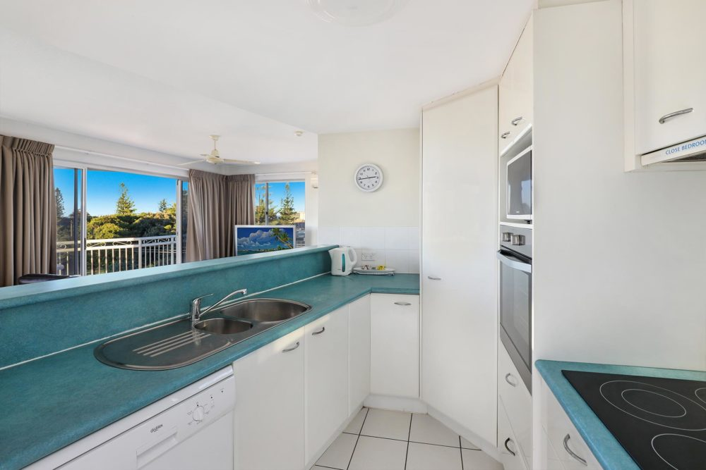 1920-3-bedroom-accommodation-buddina-kawana5