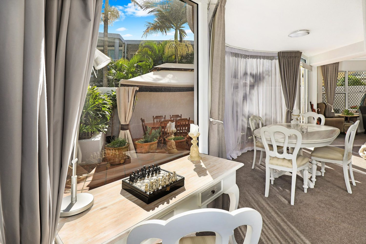 1920-3-bedroom-courtyard-accommodation-buddina-kawana5
