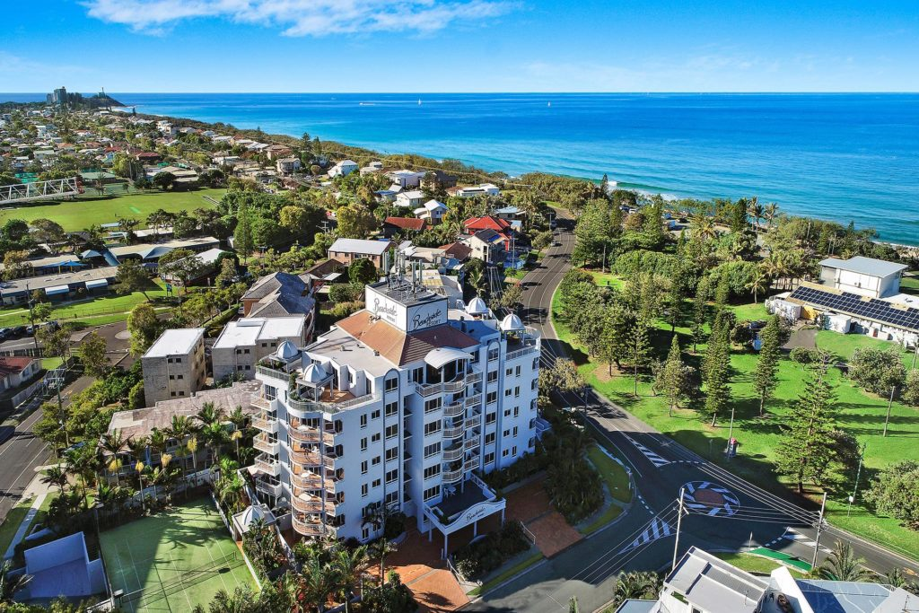 location-beachside-buddina-accommodation-kawana7